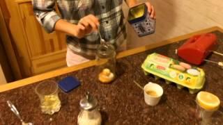 Домашний майонез на яичных желтках(Здравствуйте, сегодня мы будем Вам показывать рецепт домашнего майонеза. В первую очередь перечислю ингред..., 2014-10-14T12:03:06.000Z)