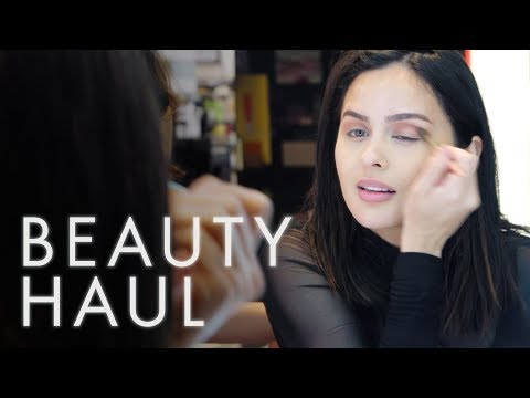 We Gave Christen Dominique $150 and 30 Minutes to Do Her Makeup at Sephora | Beauty Haul | ELLE