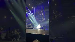 Céline Dion - My heart will go on ( live at Vidéotron center ) Courage World Tour