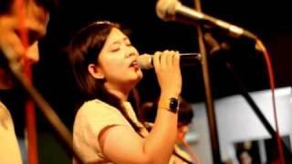 Ballads Of The Cliche - Lights Of Hope (feat. Risa Saraswati) live at potluck minimaliste