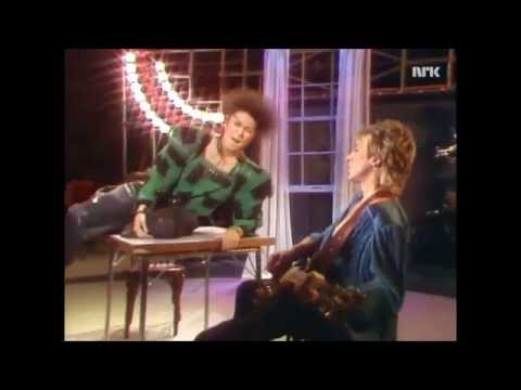 Dalbello and Mick Ronson - Lørdagssirkuset - Performances & Interview [HD]