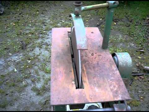 """Neat little circular saw bench with 15"""" blade and 5.5hp engine - YouTube"""