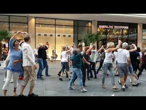 Berlin International WCS Flashmob 2016 01
