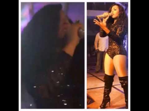 Singer ASHANTI Live