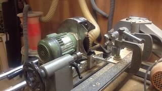 Самодельный токарно-копировальный станок по дереву   Self-made wood copying machine