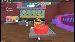 Working at Cake shop! (In roblox)