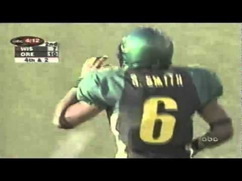 Wisconsin WR Lee Evans drops a sure touchdown on 3rd down vs. Oregon 9-01-01