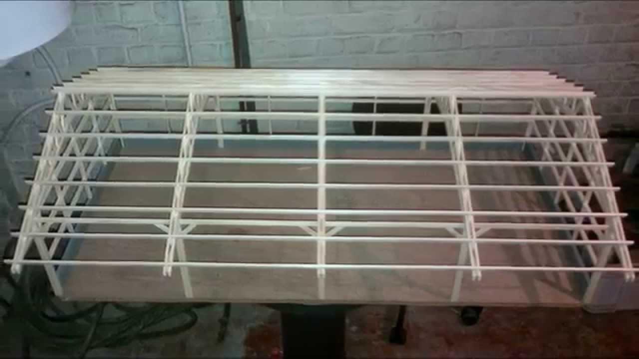 Maquette batiment agricole 1 32 for Construire un batiment en bois