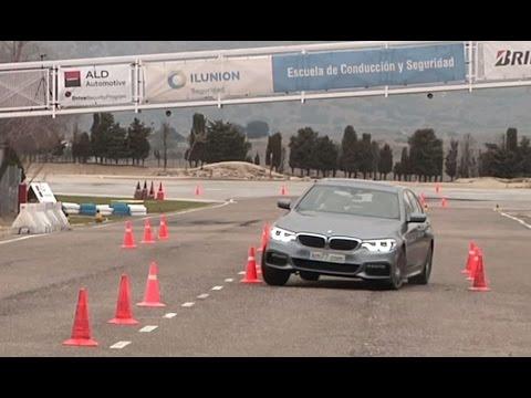 BMW 520d 2017 Maniobra de esquiva moose test y eslalon km77.com