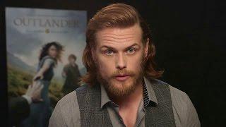 Outlander - Sam Heughan Surprises some Outlander Fans!