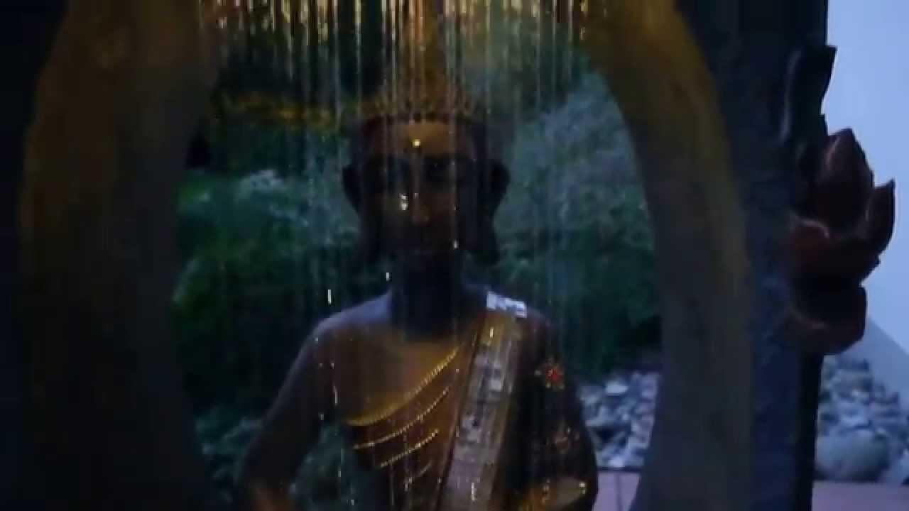 Buddha Brunnen LED 117 Cm Hoch Mit Nebler