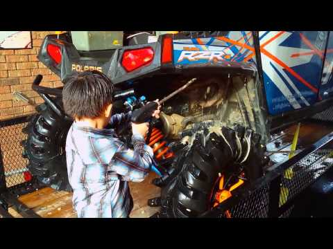 Cleaning the RZR 4 with Nathaniel