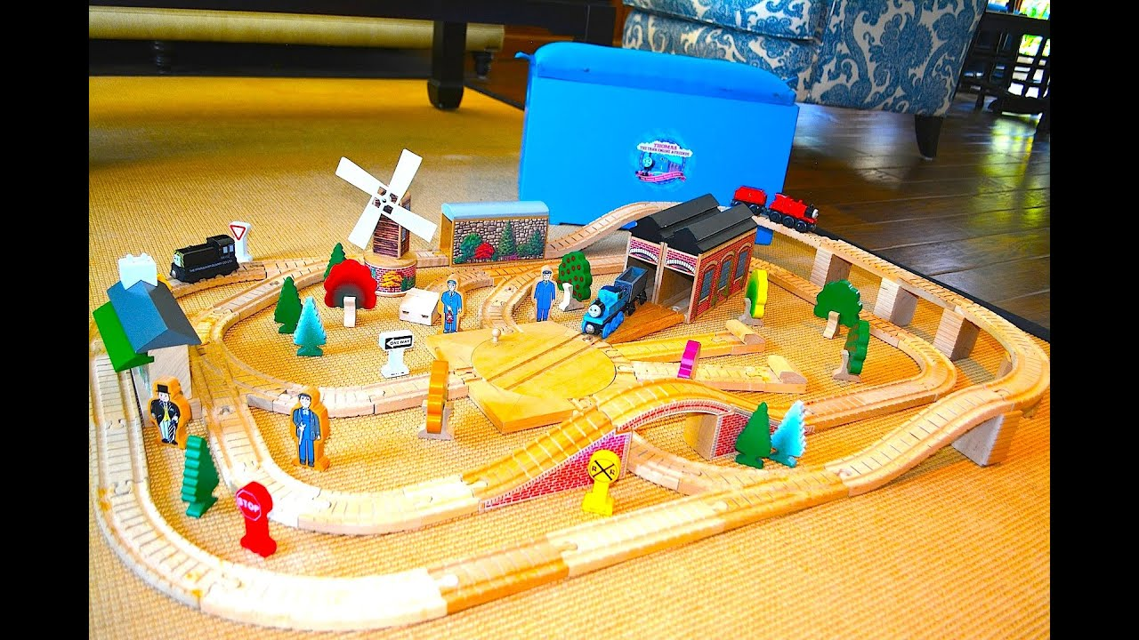 Thomas The Tank Rare 100 Piece Set Wooden Railway Toy Train By Learning Curve