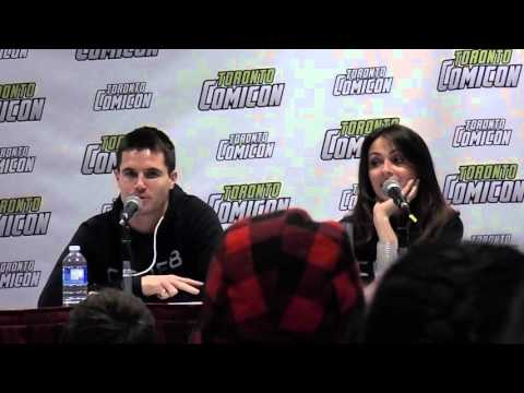 Toronto Comicon 2016 Robbie Amell Part 1