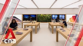 Gambar cover Apple's new Singapore store at Jewel Changi Airport   CNA Lifestyle