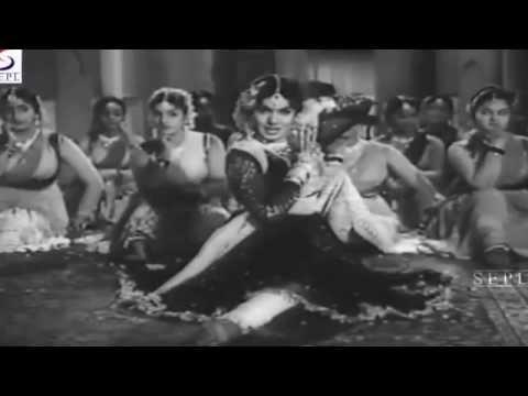 Yeh Husn Mera Yeh Ishq Tera  - Asha Bhosle - BAHURANI - Guru Dutt,Mala Sinha