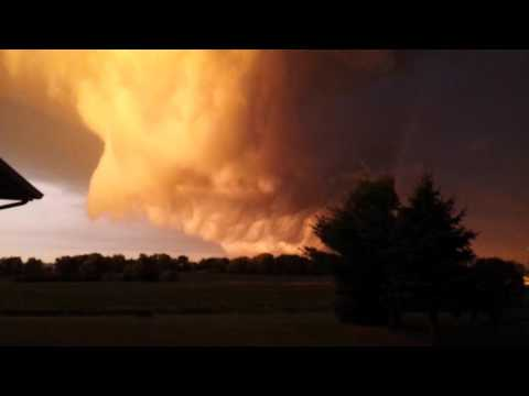 Huge supercell wall cloud - July 18th 2015
