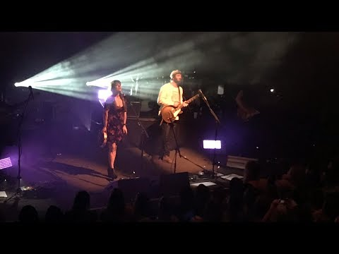 Angus & Julia Stone - Chateau (Live)