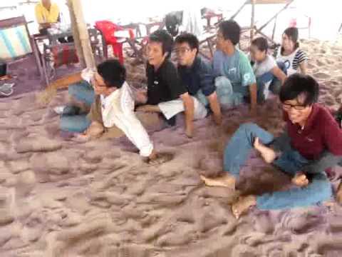 """Offline He 2010 - NguyenDuyHieu.Com - Tro """"Dua Thuyen Tren Cat"""""""