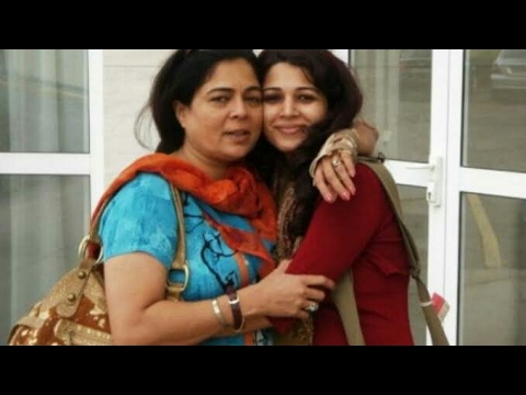 Reema Lagoo's  Daughter Mrunmayee( mother loves her family)