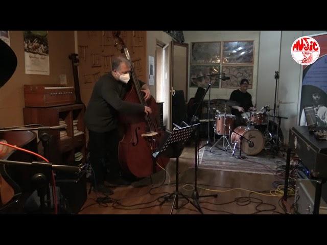 Federico Laterza Trio feat. Steve Cantarano & John Arnold live at Sarasvati Studio - Beautiful Love