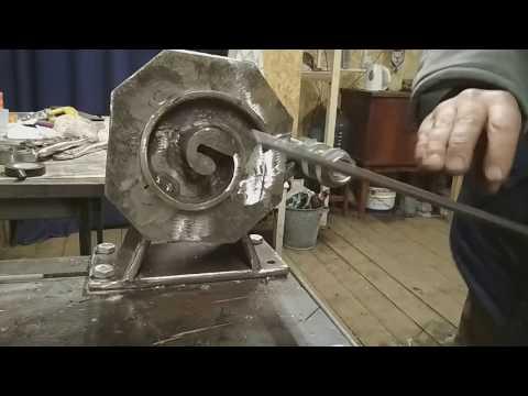 Творим «оград узор чугунный»: лучшие станки для холодной ковки для мастеров