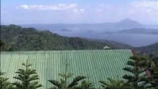 タール湖、タール火山遠望