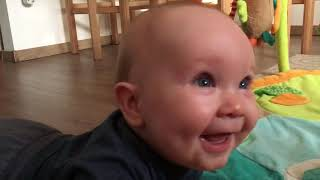 Baby laughing /Funny baby / Baba nevetés