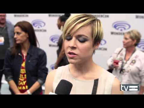 Tina Majorino - Wondercon 2014 Interview about TNT's Legends