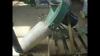 видео: Брикетирование камыша (подготовка сырья)