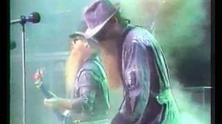 ZZ Top Under Pressure Live Tube.WMV