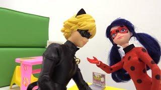 МУЛЬТИК #ЛедиБаг и #СуперКот СПАСАЮТ учительницу от монстров. СЛИЗНИ НАПАДАЮТ!