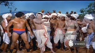 ಮಯೂರ ಚಿತ್ರದ ಸೂಪರ್ ದ್ರಶ್ಯ | Kusthi Scene of Rajkumar and Prabhakar | Mayura Movie Scene