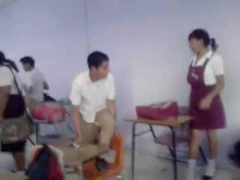 Colegiala de la secundaria saliendo del metro indios verdes - 1 part 2