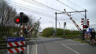 Spoorwegovergang Woerden // Dutch railroad crossing