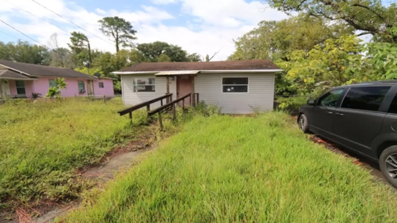 First Look at an investment property in  Lakeland FL USA 2