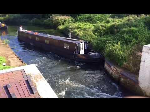 Narrowboat Journey - Hanwell Locks Flight