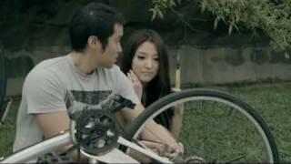 Jane Zhang 張靚穎 〈如果這就是愛情〉MV thumbnail