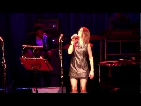 "Dukes of September- Carolyn Leonhart sings ""Heard It Through the Grapevine"" Live 8-11-2012"