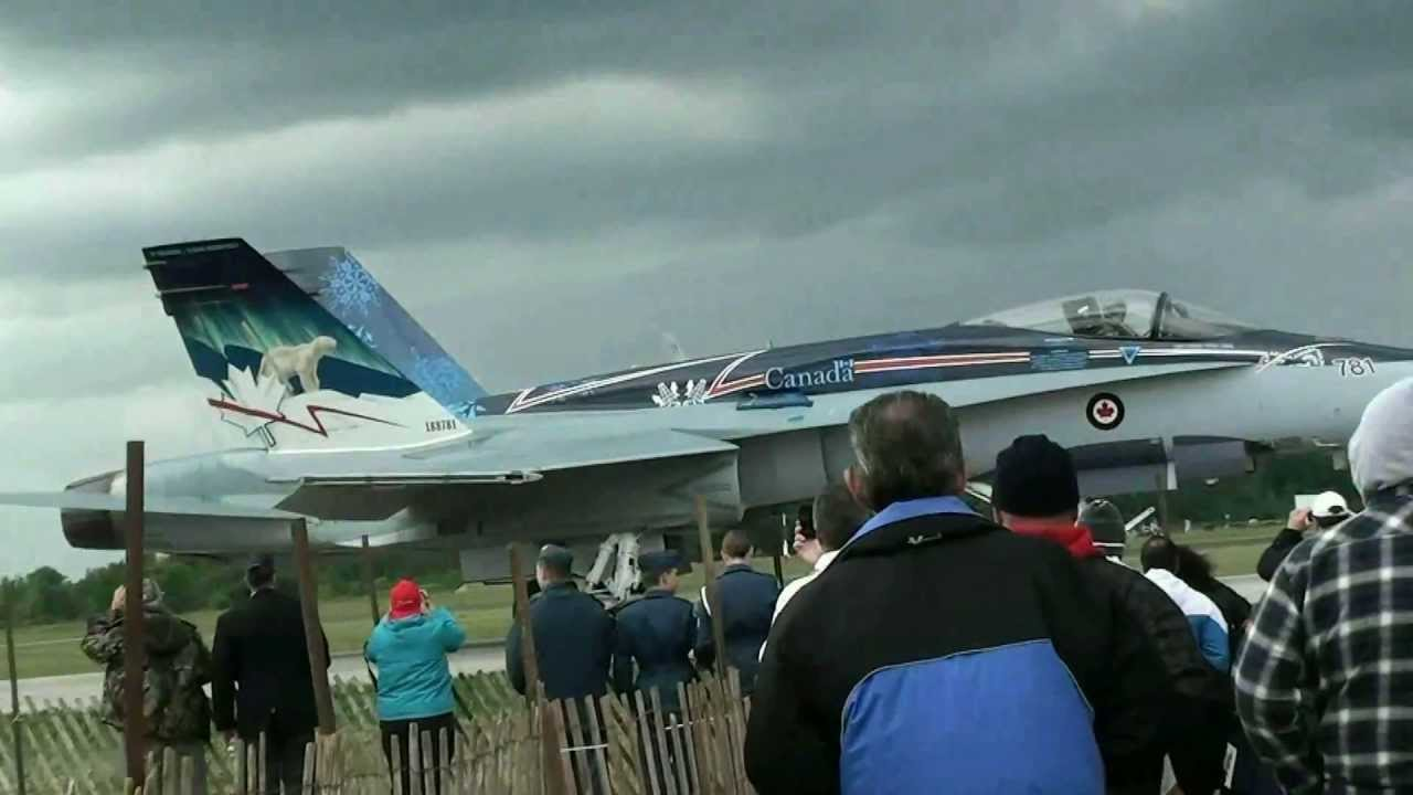Airshow at the Waterloo Regional Airport outside Kitchener Ontario ...