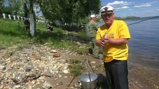 Саратовские рыбаки зовут Владимира Путина на фестиваль ухи
