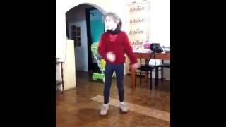 Nena bailando(la mordidita)