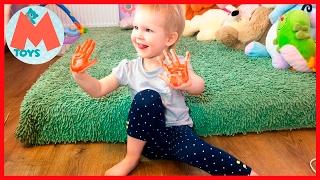 ❤ Маша рисует ладошками и  ступнями. Пальчиковые краски. Видео для Детей ОБНОВЛЕНО(ОБНОВЛЕНО. Привет Друзья. Сегодня #Маша будет рисовать ступнями и ладошками. Мы разукрасим Маше ладошки..., 2017-02-09T10:45:17.000Z)