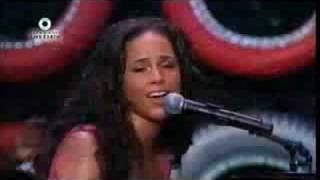 Alicia Keys - The Thing About Love LIVE