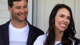 ニュージーランドのジャシンダ・アーダーン首相は19日、現在妊娠中で今...