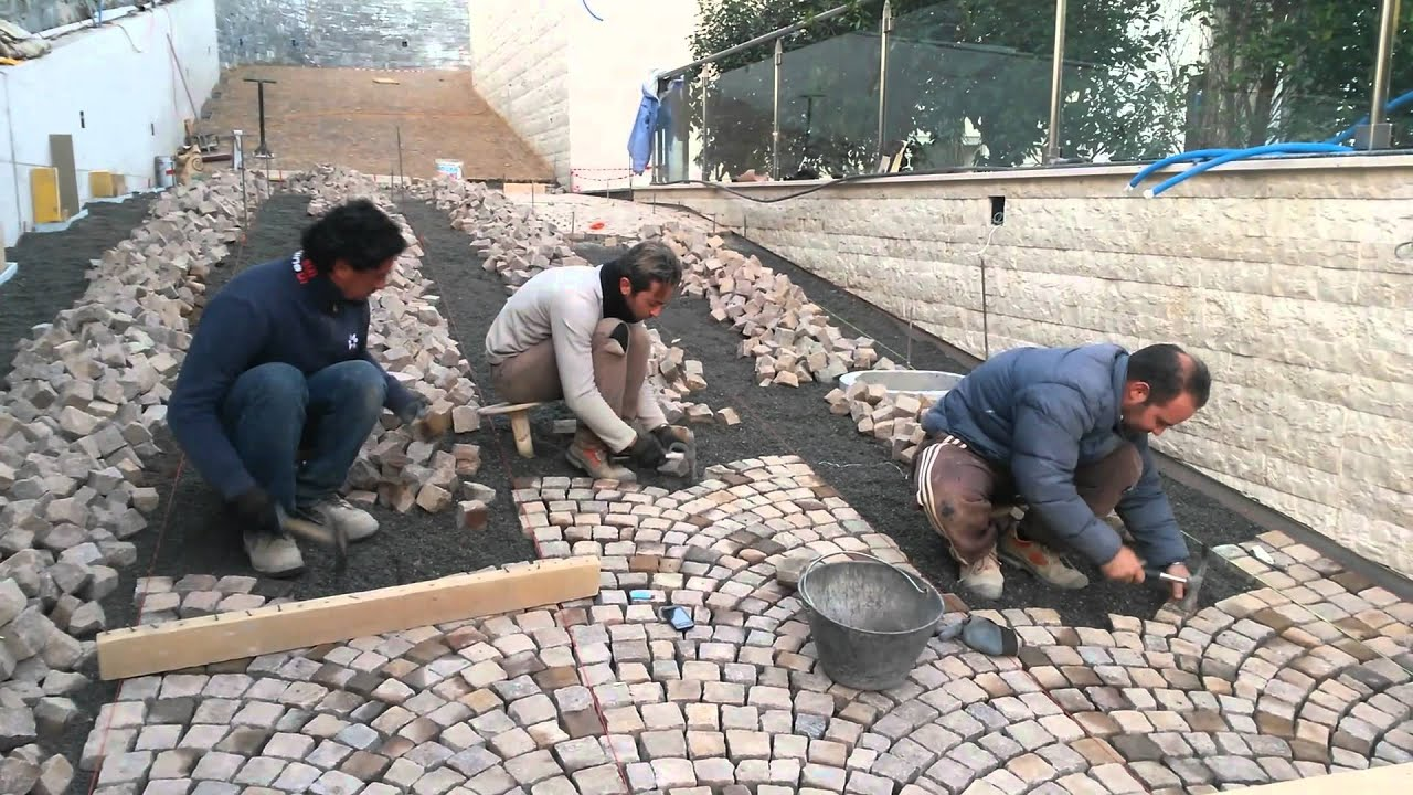 Amato PLM pavimenti in pietra naturale in svizzera,posa di (dadi  GF52