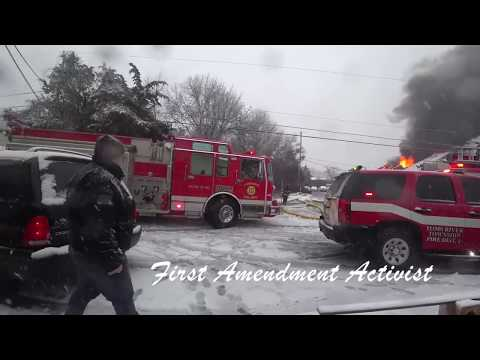 LAKEWOOD NJ FIRE DEPARTMENT BATTLING FIRE WITH LIMITED WATER