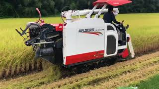 Amazing Rice Harvester in Japan