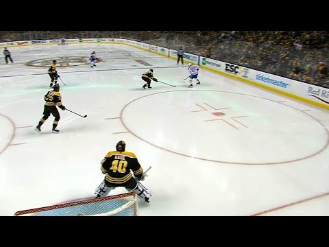 Canadiens' Jakub Jerabek gets lucky bounce early against Bruins for first NHL goal