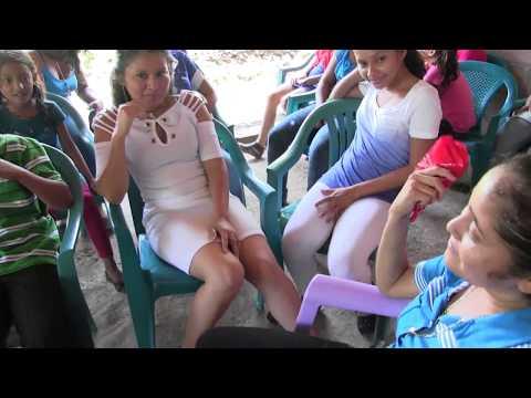 Chicas hermosas asistieron a la boda Gomez Mendoza fin del evento - Ediciones mendoza